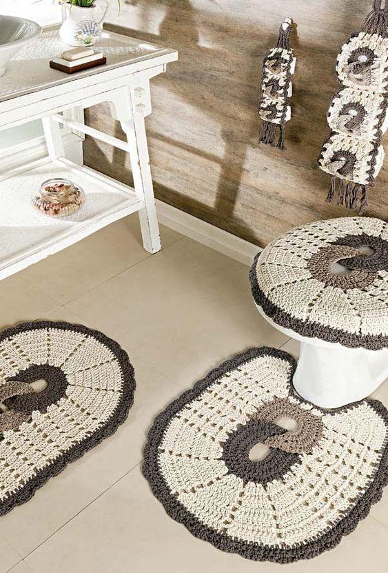 Conjunto de tapete de barbante para banheiro.