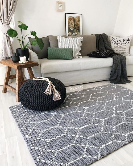 O tapete de barbante retangular estampa geométrica