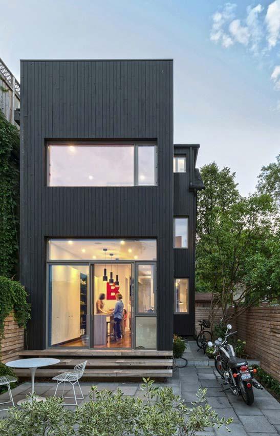Casa retangular semelhante a um contêiner.