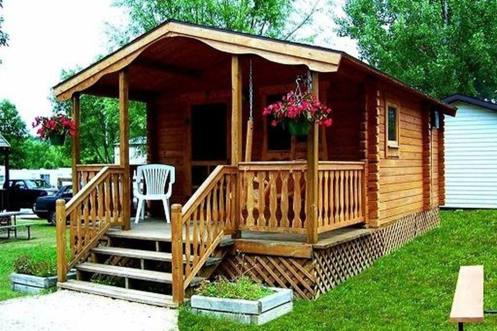 Casa toda feita de madeira.