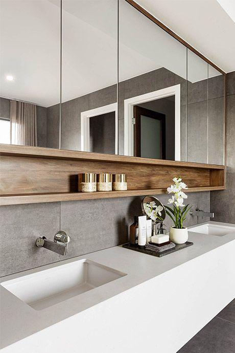 Nicho amplia o espaço de armazenamento em banheiros modernos.