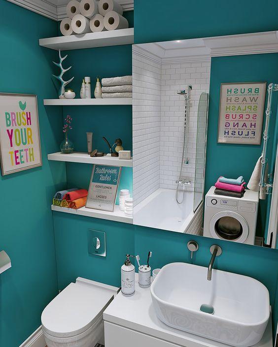 Mix de cor e elementos diferenciados em banheiro moderninho.