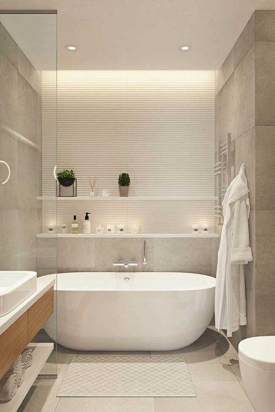 Banheiros modernos com banheiras.