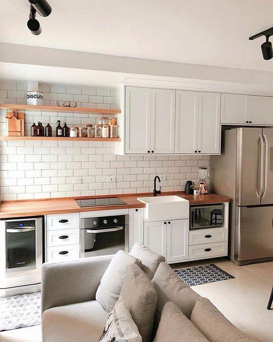Cozinhas modernas e pequenas em estilo escandinavo.