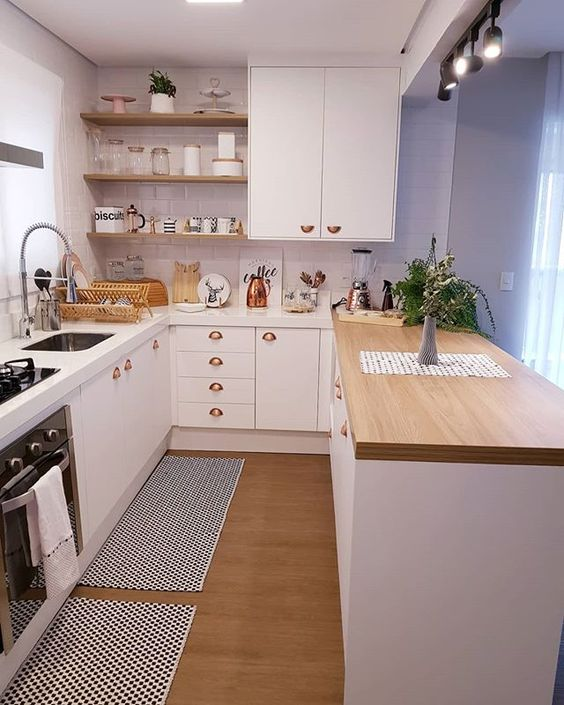 Cozinha moderna com península.
