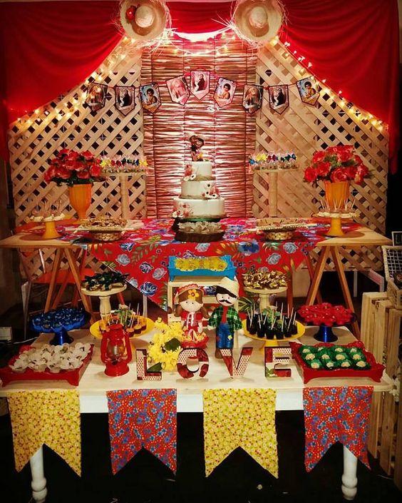 festa decorada com temática de são joão