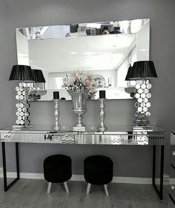 espelho bisotado com peças espelhadas em hall