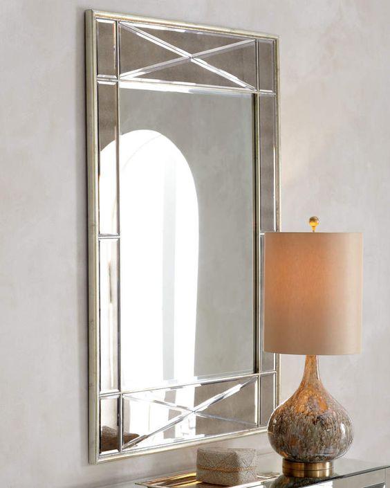 espelho bisotado em hall tradicional