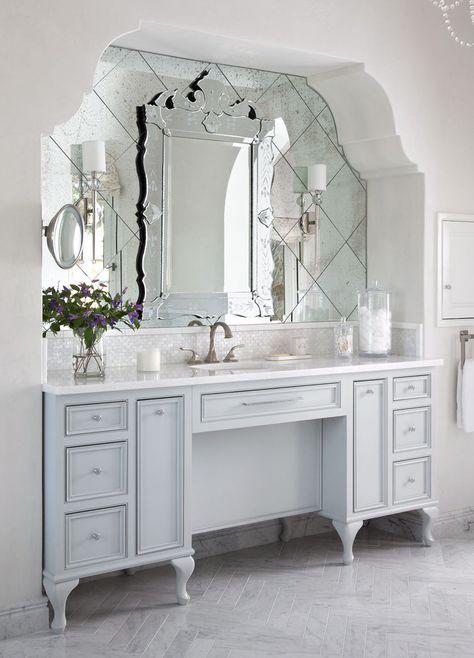 espelho bisotado para banheiro com parede recuada