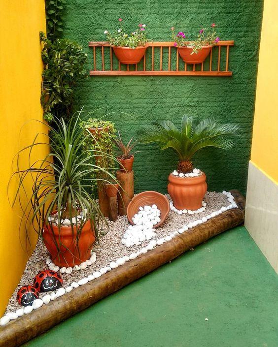 Boa ideia para jardins pequenos feitos no chão.
