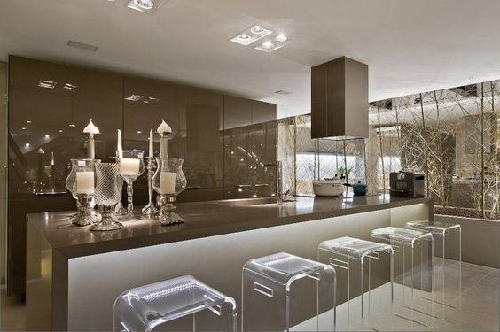 área gourmet com decoração luxuosa