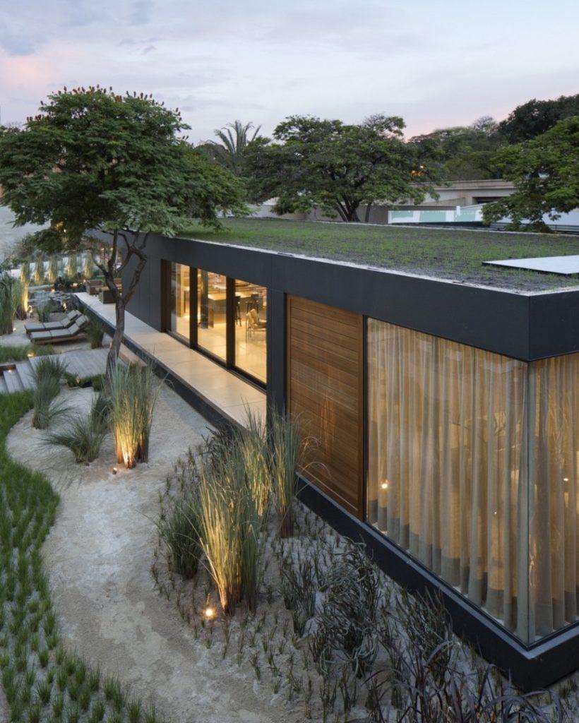Casa com apenas um andar e modelo super moderno,