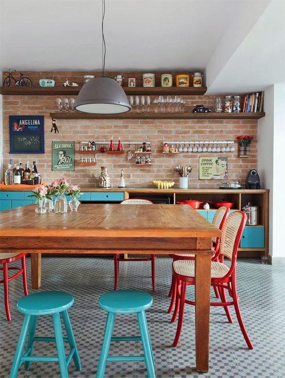 áreas gourmet com decoração retrô