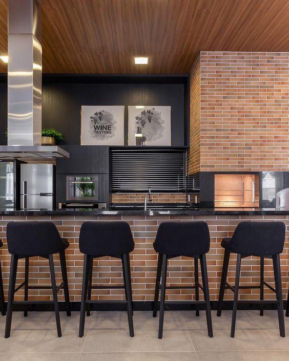 espaços gourmet  com churrasqueira e bancada