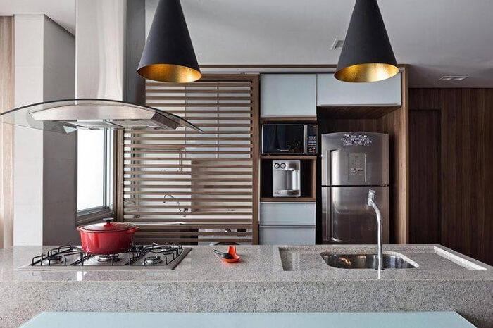 Granito cinza usado em pia de cozinha.