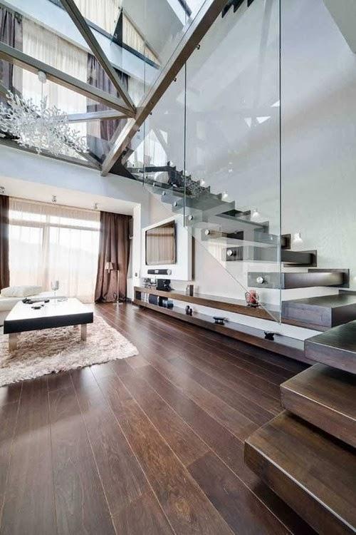 Escada rústica com vidro.
