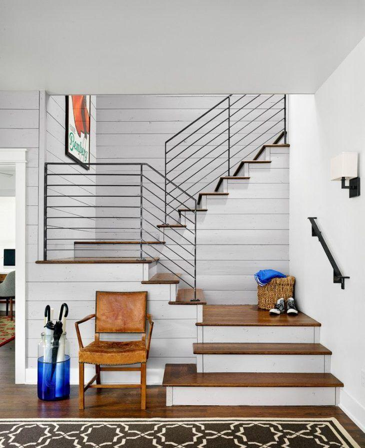 Escada em três níveis
