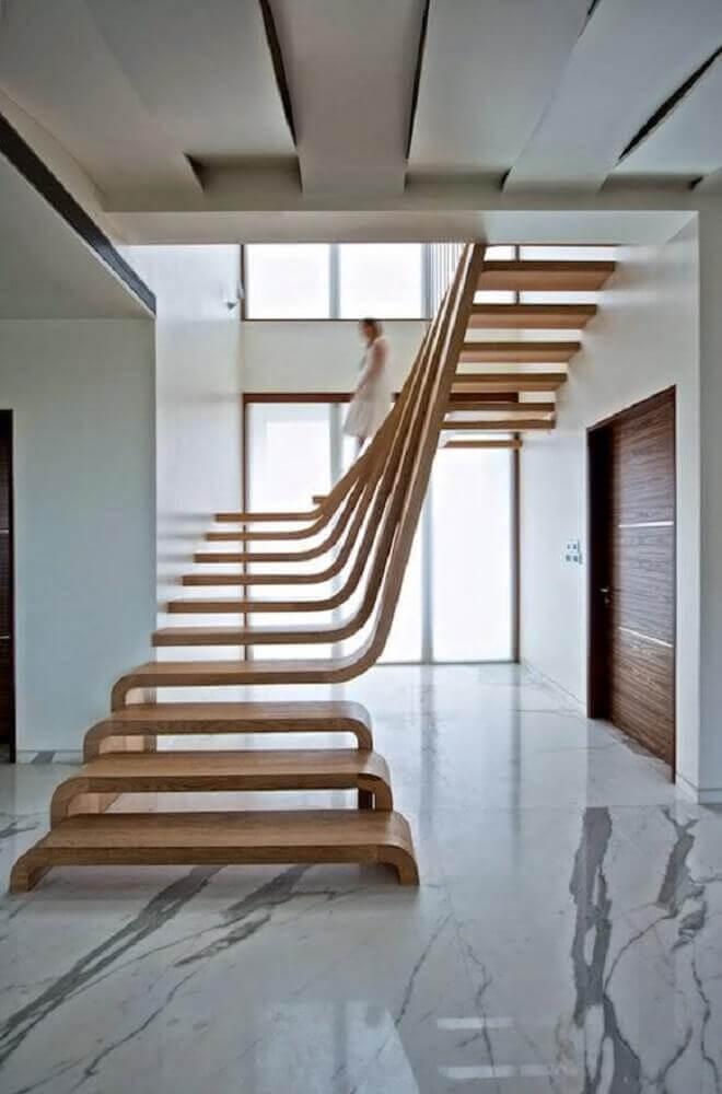Escada de madeira mais moderna.