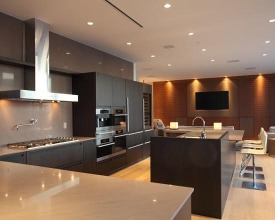 Cozinha moderna com ilha,