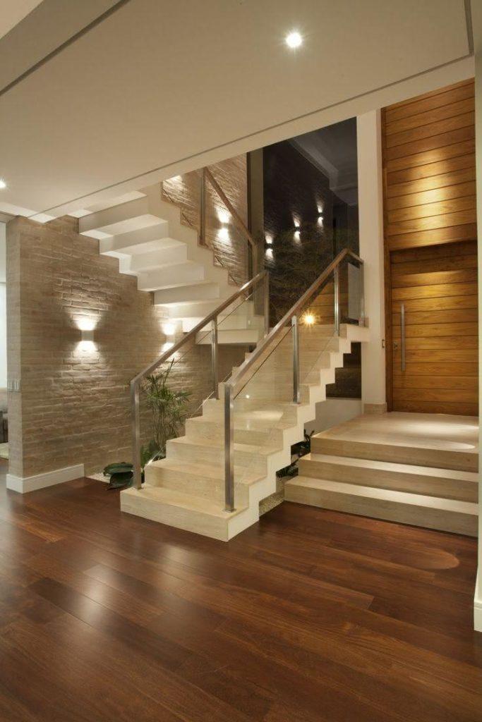 Escada de mármore.