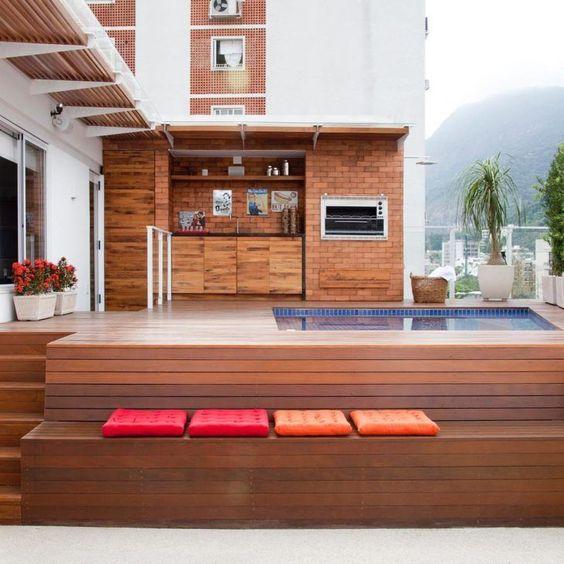 Área de lazer de madeira