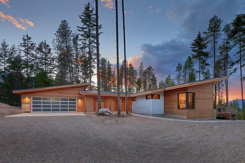 Casa com fachada moderna.