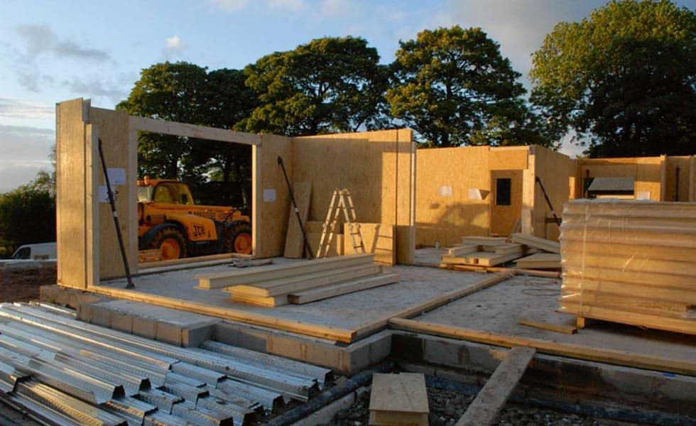 Casa pré-moldada feita de madeira.