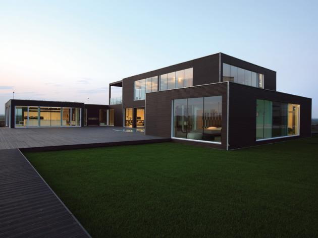Casa pré-moldada grande.