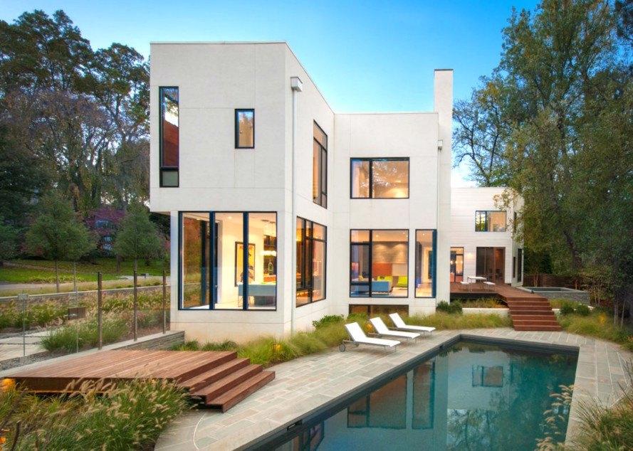 Casa pré-moldada com piscina.