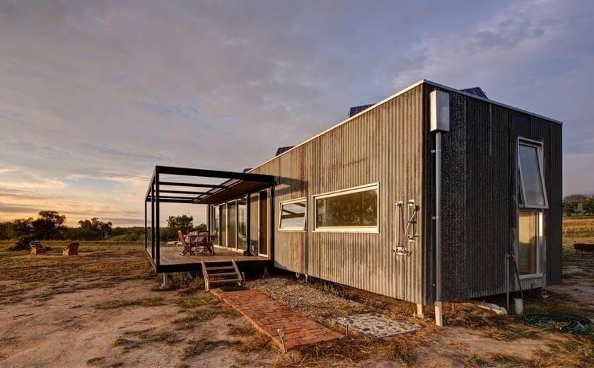 Casa pré-moldada simples.