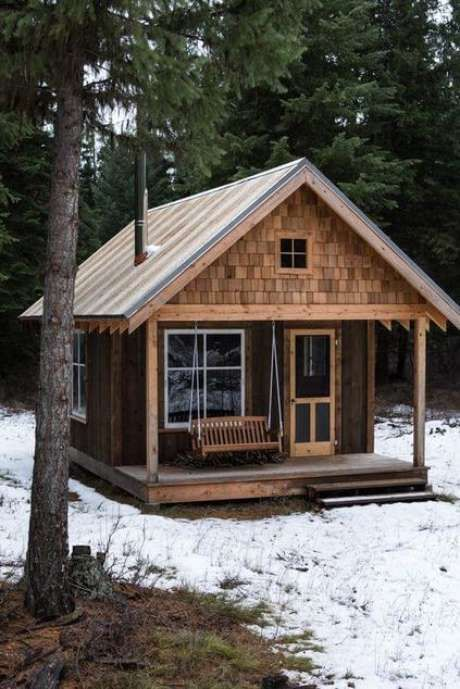 Casa de madeira com visual rústico.