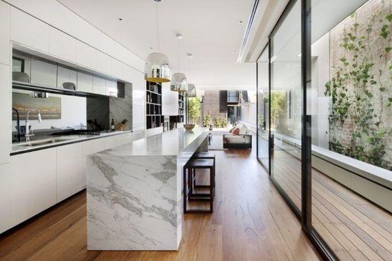 Cozinha com abertura externa.