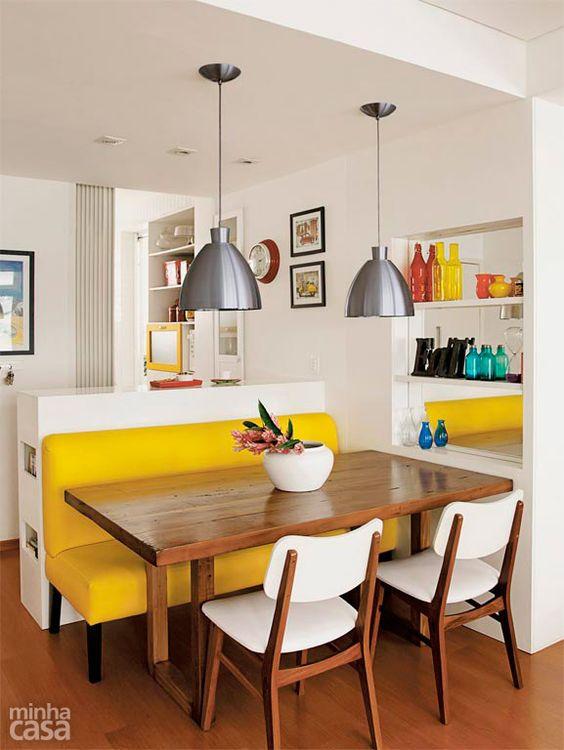 Composição traz peça rústica aliada a itens modernos.