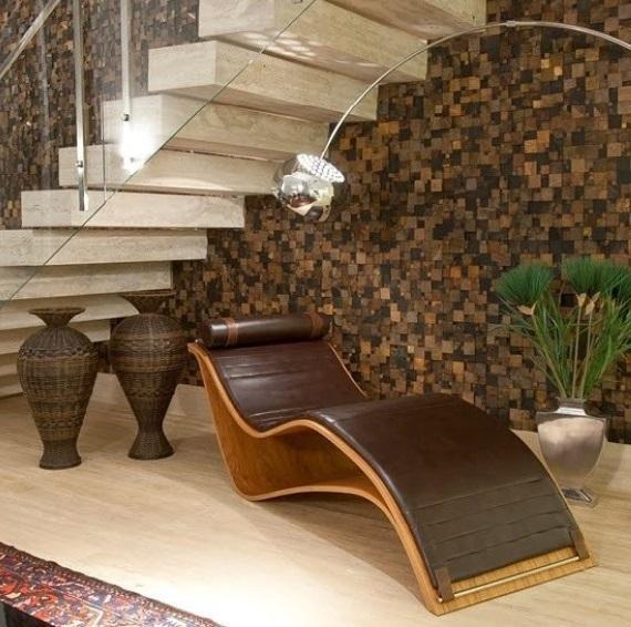 Escada com parede de pedra ferro.