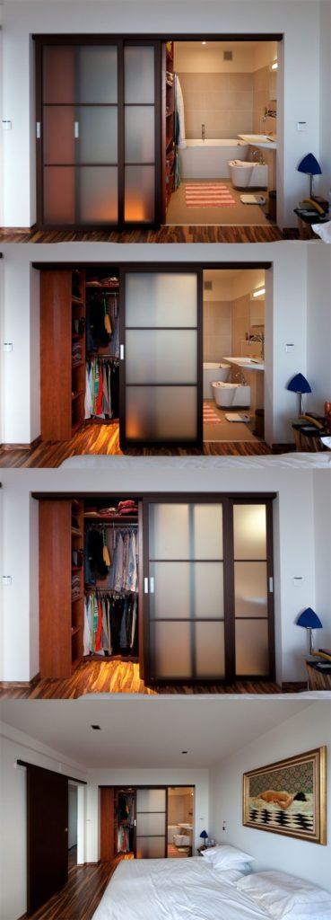 Divisória de madeira e vidro.
