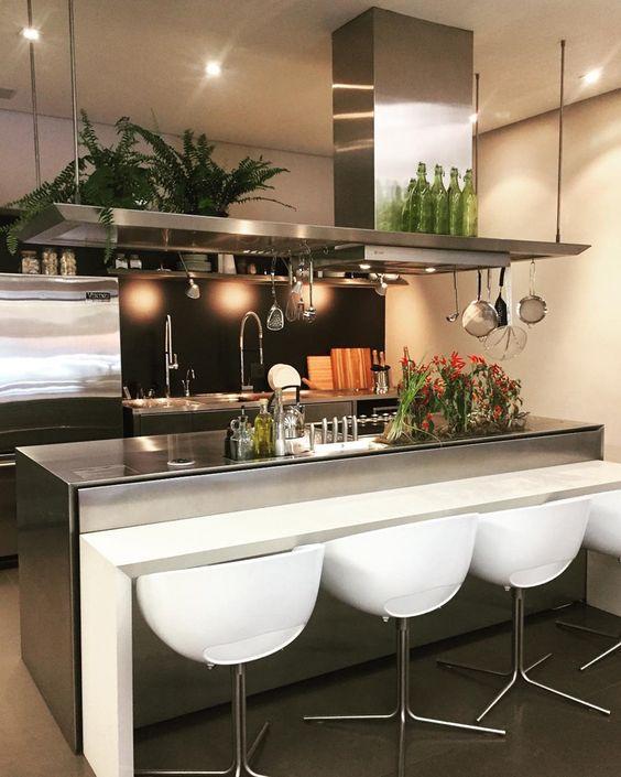 cozinha americana com sala e coisa de inox