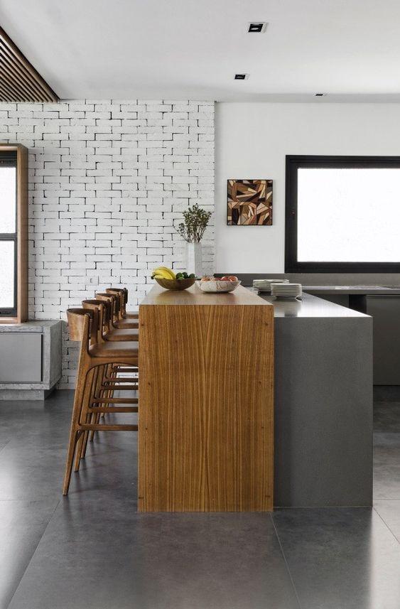 cozinha americana com sala de jantar rustica e moderna