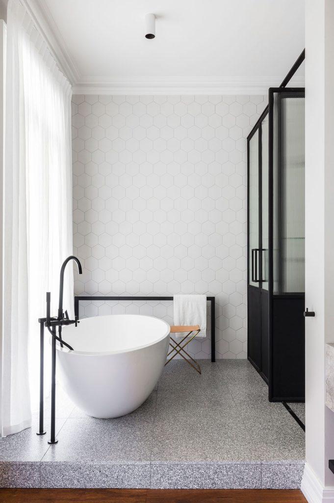espaço relaxante para banheira