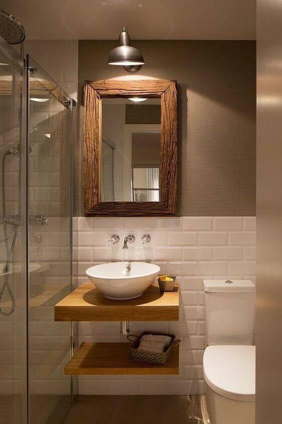 banheiro masculino simples com inspiração rústica