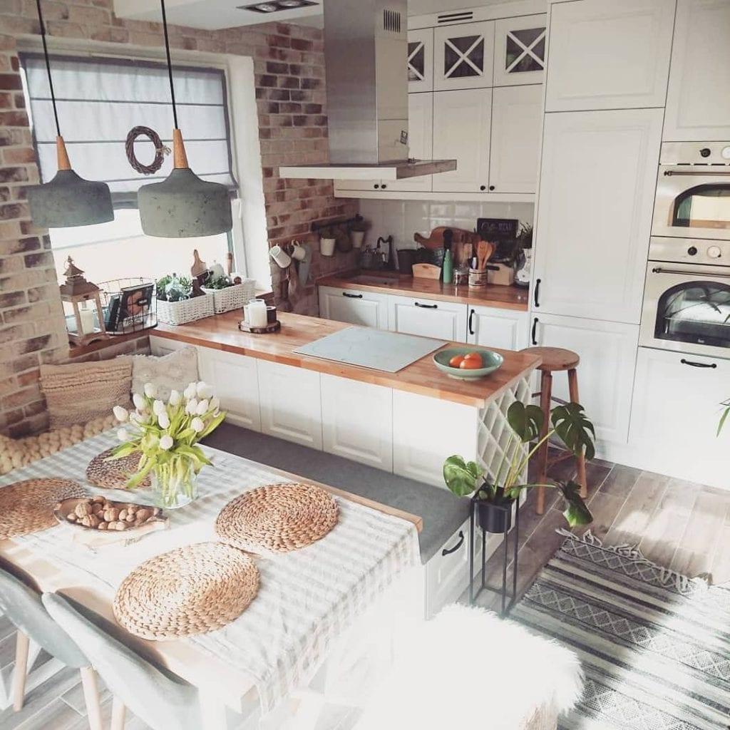 Cozinha americana rústica.