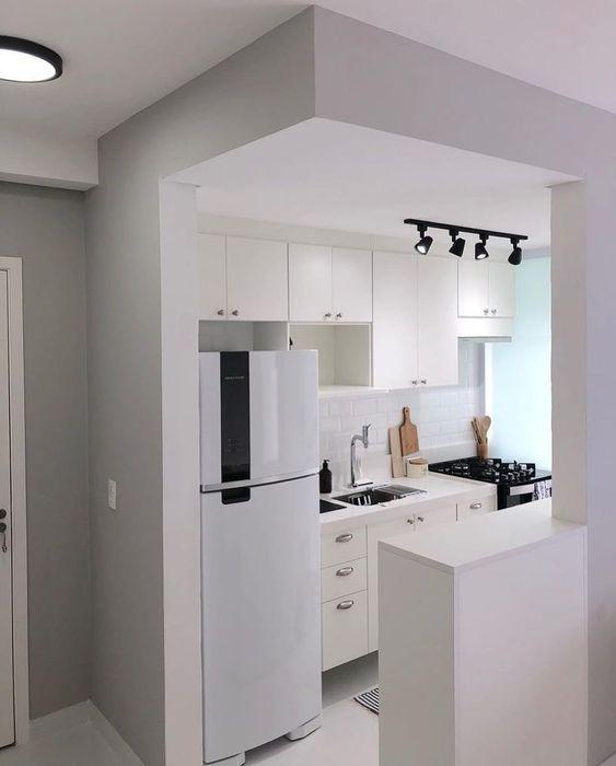 cozinha americana simples e branca