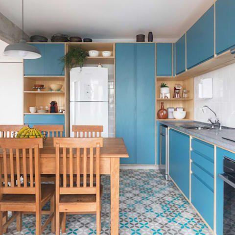 piso azul e cinza