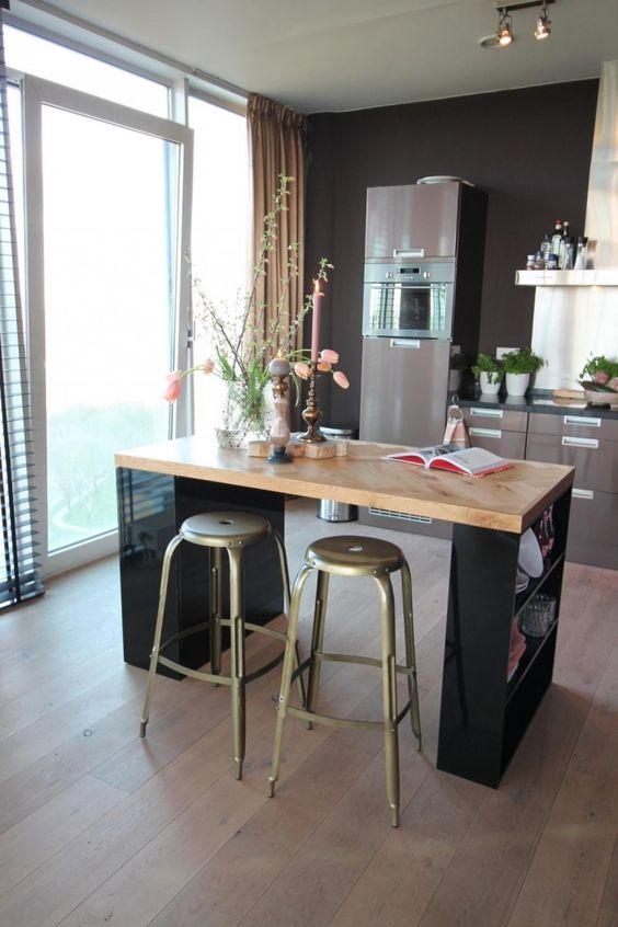 cozinha americana com ilha de madeira