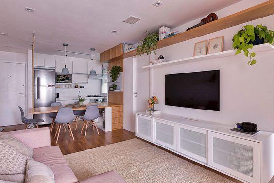 cozinha americana com sala de jantar em madeira