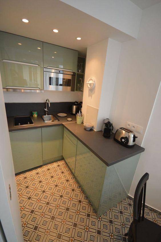 cozinha com armário em laca verde