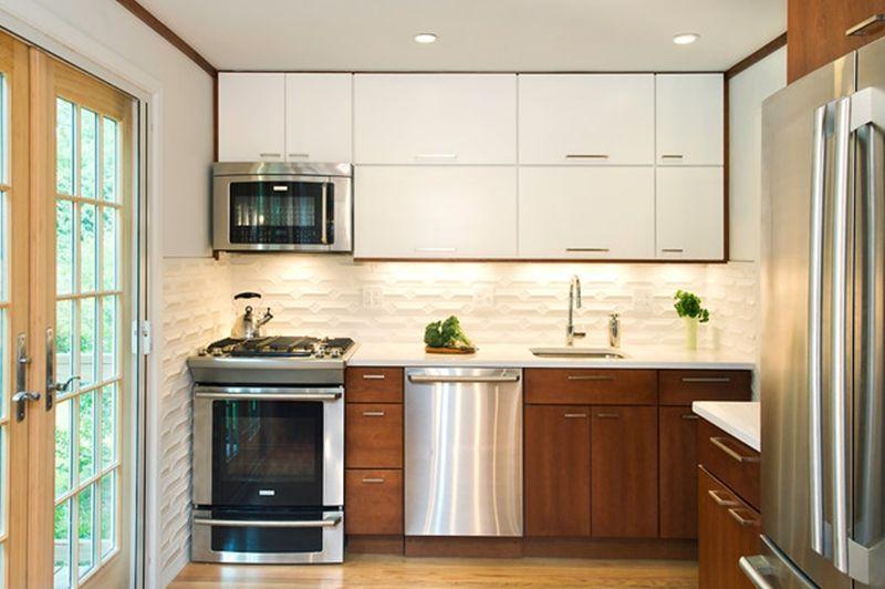 Cozinha planejada simples com spots de led.