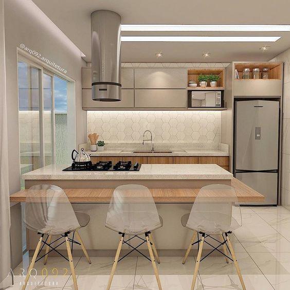 Casa com projeto de iluminação e sanca de gesso.