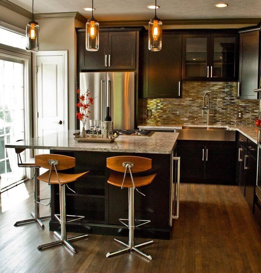 Cozinha planejada moderna.