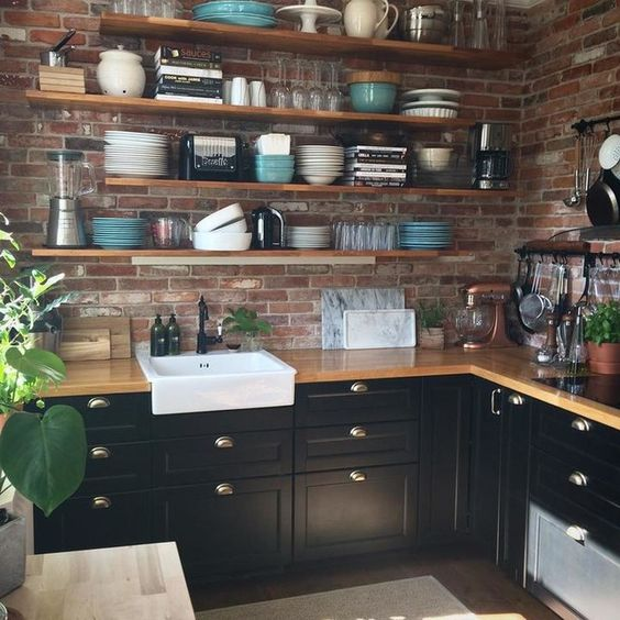 cozinha rústica preta com cuba farm