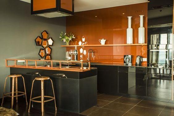 cozinha laranja e preta  laca